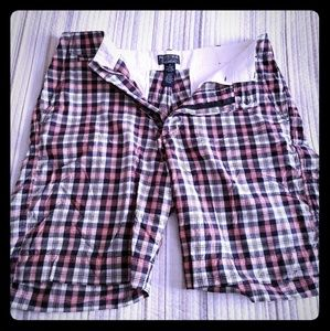 Red, white and blue plaid shorts 🇺🇸